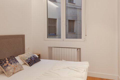 Apartment for sale in Madrid, Spain, 4 bedrooms, 219.00m2, No. 2062 – photo 10