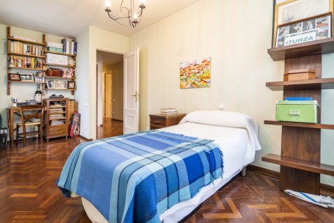 Apartment for sale in Madrid, Spain, 4 bedrooms, 189.00m2, No. 2370 – photo 14