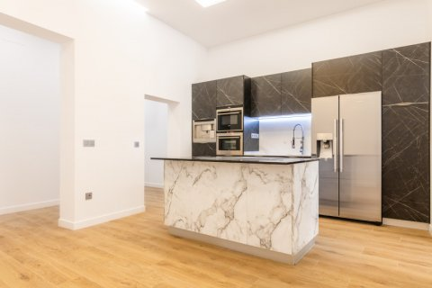 Apartment for sale in Madrid, Spain, 3 bedrooms, 139.00m2, No. 2700 – photo 3