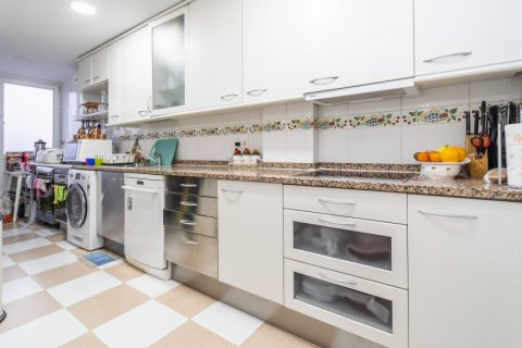 Duplex for sale in Madrid, Spain, 3 bedrooms, 152.00m2, No. 2445 – photo 25