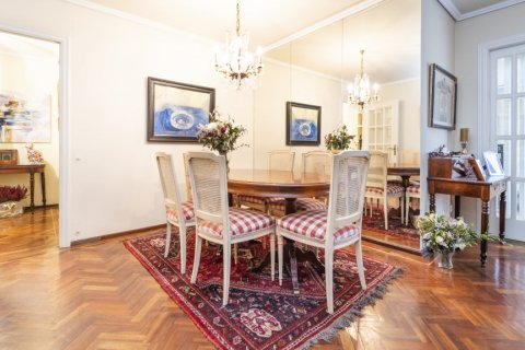 Apartment for sale in Madrid, Spain, 4 bedrooms, 189.00m2, No. 2370 – photo 2