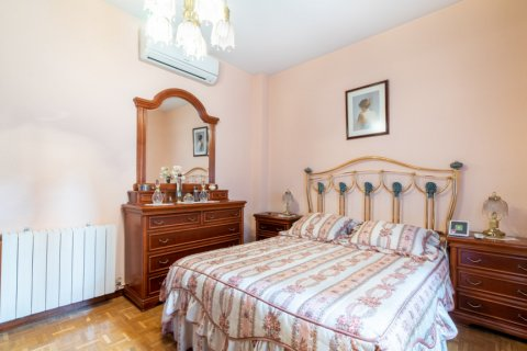 Apartment for sale in Madrid, Spain, 3 bedrooms, 73.00m2, No. 1801 – photo 12