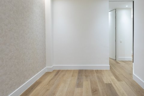 Apartment for sale in Madrid, Spain, 2 bedrooms, 102.00m2, No. 1972 – photo 12