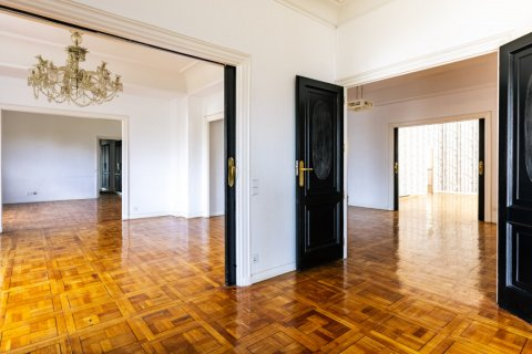 Apartment for sale in Madrid, Spain, 6 bedrooms, 500.00m2, No. 2408 – photo 5
