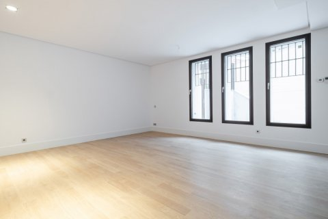 Apartment for sale in Madrid, Spain, 2 bedrooms, 157.00m2, No. 2070 – photo 5