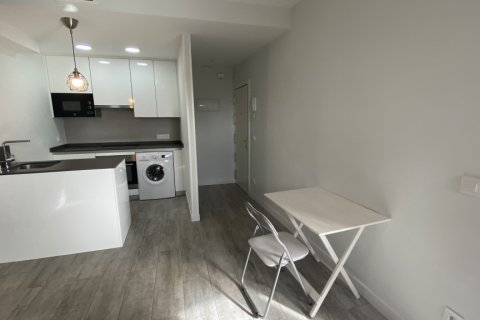 Apartment for rent in Madrid, Spain, 2 bedrooms, 75.00m2, No. 1942 – photo 17