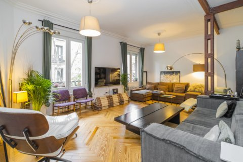 Apartment for sale in Madrid, Spain, 4 bedrooms, 147.00m2, No. 2681 – photo 1