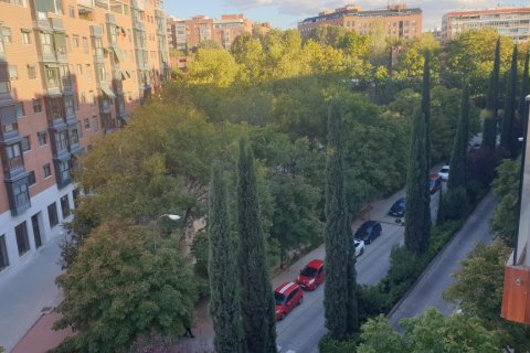 Apartment for sale in Madrid, Spain, 3 bedrooms, 121.40m2, No. 2400 – photo 2