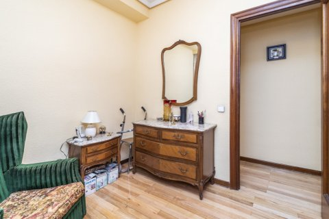 Apartment for sale in Madrid, Spain, 4 bedrooms, 152.00m2, No. 2316 – photo 24
