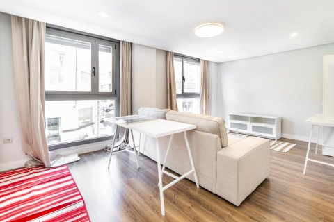 Apartment for sale in Madrid, Spain, 3 bedrooms, 150.00m2, No. 2538 – photo 24
