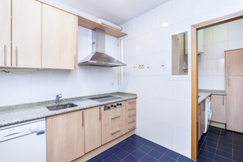 Apartment for rent in Madrid, Spain, 2 bedrooms, 120.00m2, No. 1464 – photo 9