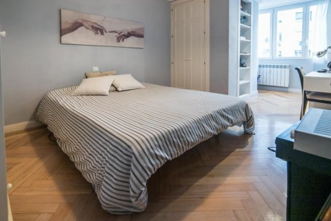 Apartment for sale in Madrid, Spain, 5 bedrooms, 236.00m2, No. 1569 – photo 17
