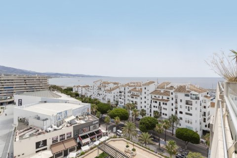 Penthouse for sale in Marbella, Malaga, Spain, 3 bedrooms, 172.74m2, No. 2165 – photo 1