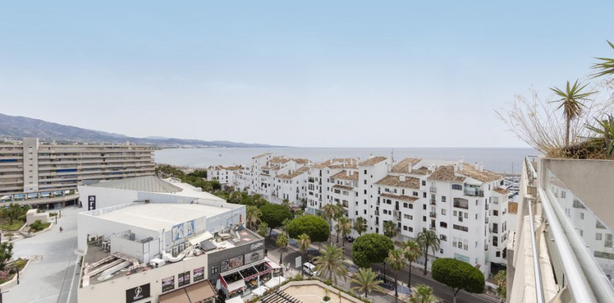 Penthouse in Marbella, Malaga, Spain 3 bedrooms, 172.74 sq.m. No. 2165