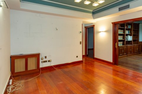 Apartment for sale in Madrid, Spain, 4 bedrooms, 196.00m2, No. 2199 – photo 9