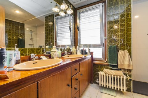 Apartment for sale in Madrid, Spain, 6 bedrooms, 414.00m2, No. 2470 – photo 30