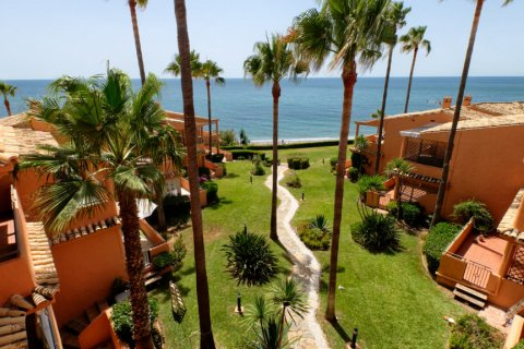 Penthouse for sale in Estepona, Malaga, Spain, 3 bedrooms, 125.00m2, No. 2225 – photo 1