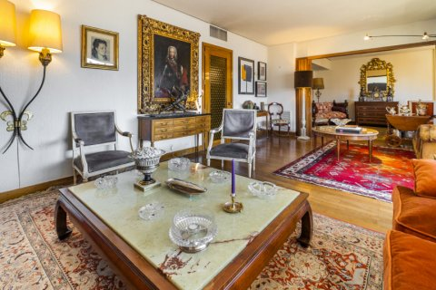 Apartment for sale in Madrid, Spain, 6 bedrooms, 414.00m2, No. 2470 – photo 14