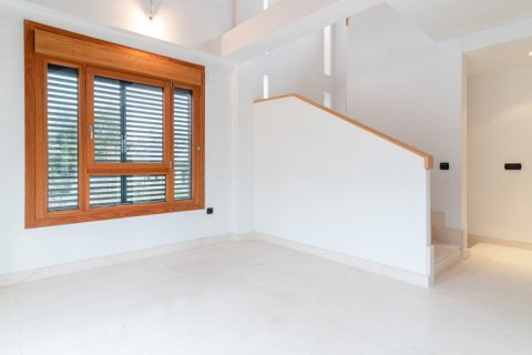 Duplex for sale in Madrid, Spain, 4 bedrooms, 220.46m2, No. 1975 – photo 12