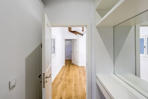 Duplex for sale in Madrid, Spain, 2 bedrooms, 125.00m2, No. 1549 – photo 15