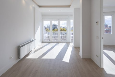 Apartment for sale in Madrid, Spain, 2 bedrooms, 116.00m2, No. 1908 – photo 5