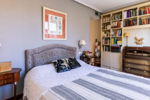 Apartment for sale in Madrid, Spain, 4 bedrooms, 152.00m2, No. 2702 – photo 29