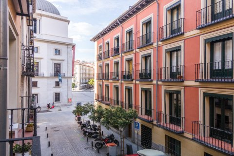 Apartment for sale in Madrid, Spain, 3 bedrooms, 139.00m2, No. 2218 – photo 26