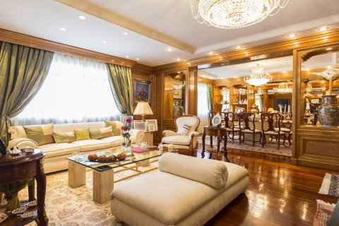 Duplex for sale in Madrid, Spain, 5 bedrooms, 514.00m2, No. 1493 – photo 3