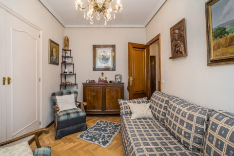 Apartment for sale in Madrid, Spain, 5 bedrooms, 181.00m2, No. 2706 – photo 20