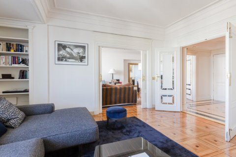 Apartment for sale in Madrid, Spain, 4 bedrooms, 298.00m2, No. 1992 – photo 8