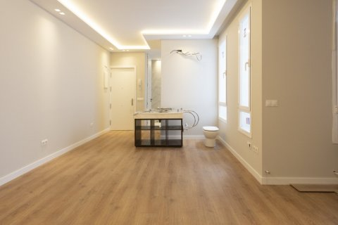 Apartment for sale in Madrid, Spain, 2 bedrooms, 63.00m2, No. 2509 – photo 12