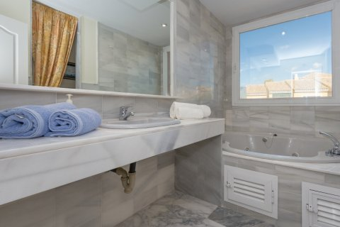 Penthouse for sale in Atalaya-Isdabe, Malaga, Spain, 3 bedrooms, 271.15m2, No. 1723 – photo 15