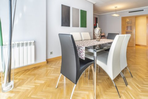 Apartment for sale in Madrid, Spain, 4 bedrooms, 122.51m2, No. 2192 – photo 9