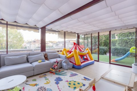 Apartment for sale in Madrid, Spain, 4 bedrooms, 330.00m2, No. 2353 – photo 26