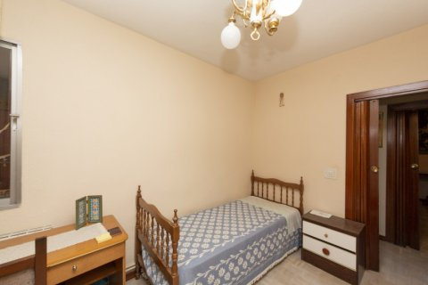 Apartment for sale in Madrid, Spain, 3 bedrooms, 90.00m2, No. 2414 – photo 15