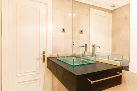 Apartment for sale in Madrid, Spain, 1 bedroom, 51.00m2, No. 1832 – photo 7