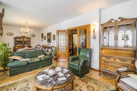 Apartment for sale in Madrid, Spain, 5 bedrooms, 181.00m2, No. 2706 – photo 8