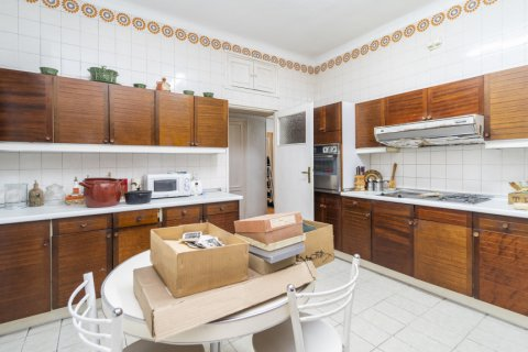 Apartment for sale in Madrid, Spain, 5 bedrooms, 168.00m2, No. 2313 – photo 28
