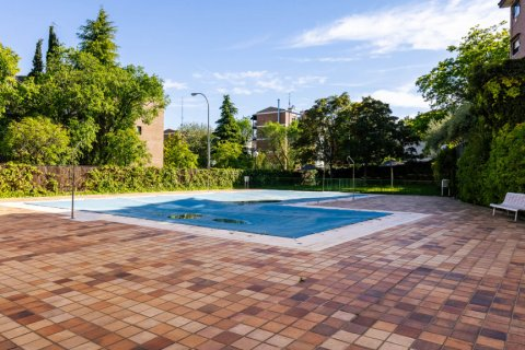 Apartment for sale in Madrid, Spain, 4 bedrooms, 202.00m2, No. 2710 – photo 27