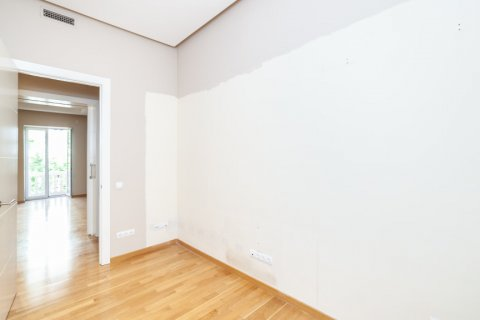 Apartment for rent in Madrid, Spain, 4 bedrooms, 190.00m2, No. 1474 – photo 8