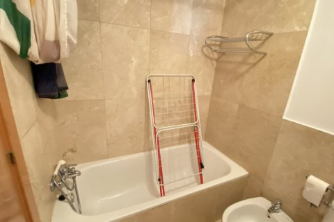 Duplex for rent in Madrid, Spain, 2 bedrooms, 98.00m2, No. 1489 – photo 25