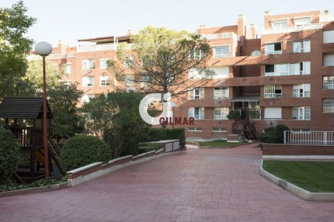 Apartment for rent in Madrid, Spain, 3 bedrooms, 127.00m2, No. 1688 – photo 9