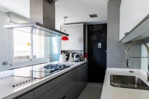 Apartment for sale in Madrid, Spain, 5 bedrooms, 201.00m2, No. 2311 – photo 16