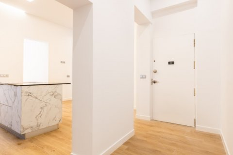 Apartment for sale in Madrid, Spain, 3 bedrooms, 139.00m2, No. 2700 – photo 2