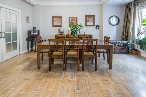 Apartment for sale in Madrid, Spain, 5 bedrooms, 236.00m2, No. 1569 – photo 6