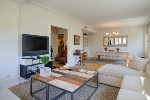Apartment for sale in Madrid, Spain, 4 bedrooms, 171.00m2, No. 2442 – photo 9