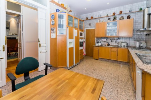 Apartment for sale in Madrid, Spain, 4 bedrooms, 426.00m2, No. 1733 – photo 20