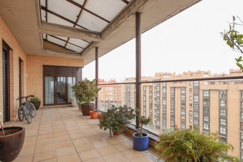 Penthouse for sale in Madrid, Spain, 4 bedrooms, 187.00m2, No. 2075 – photo 4