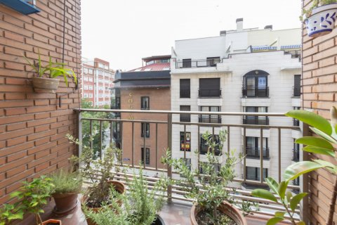Apartment for sale in Madrid, Spain, 4 bedrooms, 129.00m2, No. 2307 – photo 27