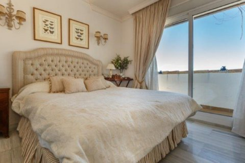 Penthouse for rent in Nueva Andalucia, Malaga, Spain, 5 bedrooms, 450.00m2, No. 1518 – photo 9